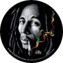 BOB MARLEY: Smoke (jelvény, 2,5 cm)