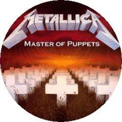 METALLICA: Master Of Puppets (jelvény, 2,5 cm)