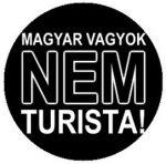 MAGYAR VAGYOK NEM TURISTA (jelvény, 2,5 cm)