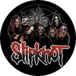 SLIPKNOT: Group (jelvény, 2,5 cm)
