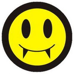 GOTH SMILEY (jelvény, 2,5 cm)