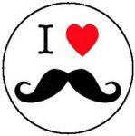 I LOVE BAJUSZ (jelvény, 2,5 cm)