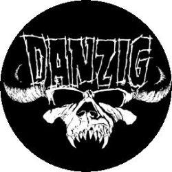 DANZIG: Sull Logo (jelvény, 2,5 cm)