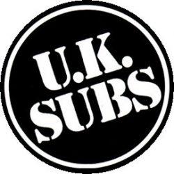 UK SUBS: Logo (jelvény, 2,5 cm)